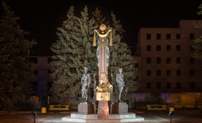 The monument to composers Agapkin and Shatrov