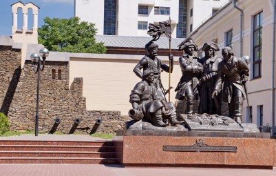 Monument to the founders of St. Dmitry Rostovsky fortress